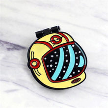 1 PCS Nuovo astronauta spilla in metallo FAI DA TE flip-top zaino distintivo accessori di abbigliamento cucito pin forniture Free shopping(China)