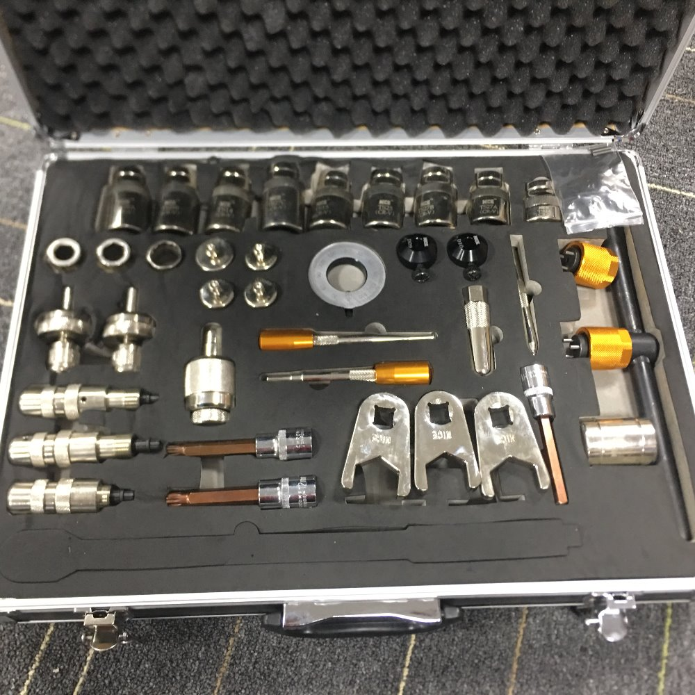 2018 New typeGood Quality 38pcs common rail injector disassemble tool diesel injector dismounting tools common rail