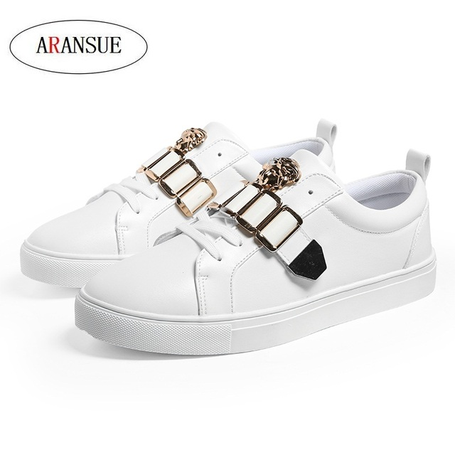 ARANSUE Spring New Men's Leisure Vulcanized Shoes Metal Fashion Design Joker  White shoes Pure color skid resistance  sneakers