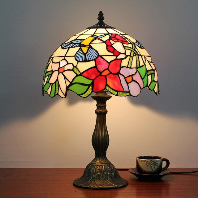 Flesh Country Flowers Bird Tiffany Table Lamp Country Style Stained Glass  Lamp For Bedroom Bedside Lamp