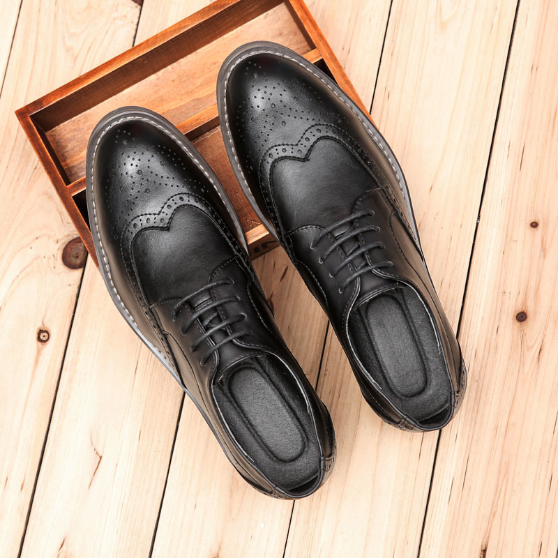 Fashion Vintage Men Brogue Shoes Men's Lacing Breathable Pointed Toe Bullock Carve Casual Shoes Man Leather Shoes Plus Size37-45 new arrival fashion rivets men leather shoes men s lace up breathable pointed toe casual shoes low leisure man shoes size 38 44