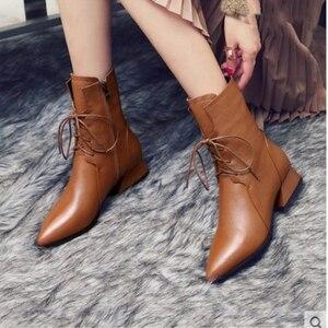 Image 2 - Swyivy 女性のブーツ 2019 新秋ミッドカーフブーツ女性のポインテッドトゥの靴マーチンブーツブロックヒール靴女性黒/茶色のブーツ