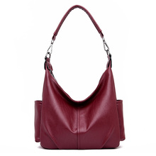 купить 2019 new large genuine leather hobos bag red shoulder bags for women tote bag luxury designer lady handbag pockets sac femme по цене 3158.01 рублей