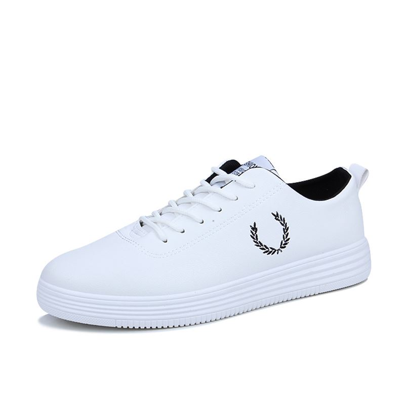 White Men Flats Shoes Spring Autumn PU Leather Light Breathable Fashion Sneakers Comfortable Footwear Vulcanize Shoes Size 39 44