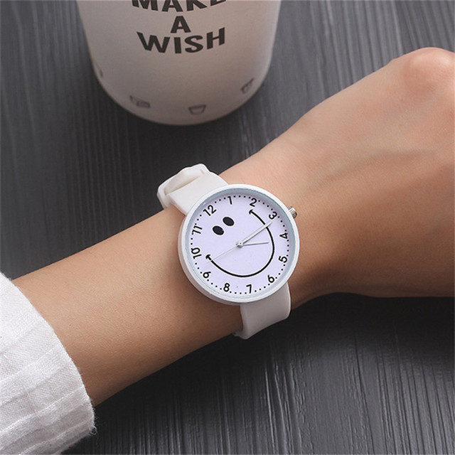 Hot New Women's Watch Fashion Luxury Smile Teenage Girl Wristwatch lovely Comfor