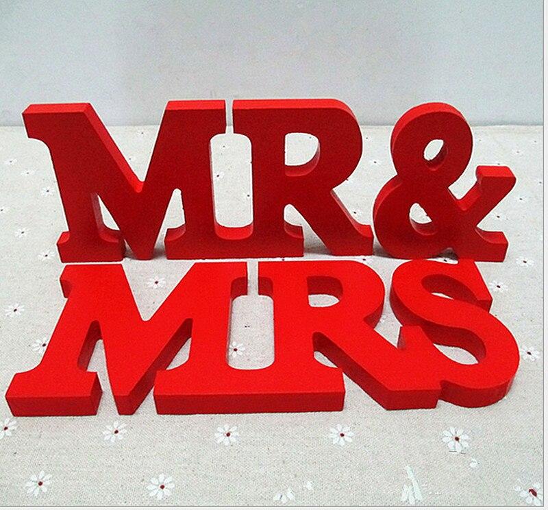 Бесплатная доставка красный г-н & Mrs. буквы свадебные украшения стола, стоящие мистер и миссис знаки для милая Таблица