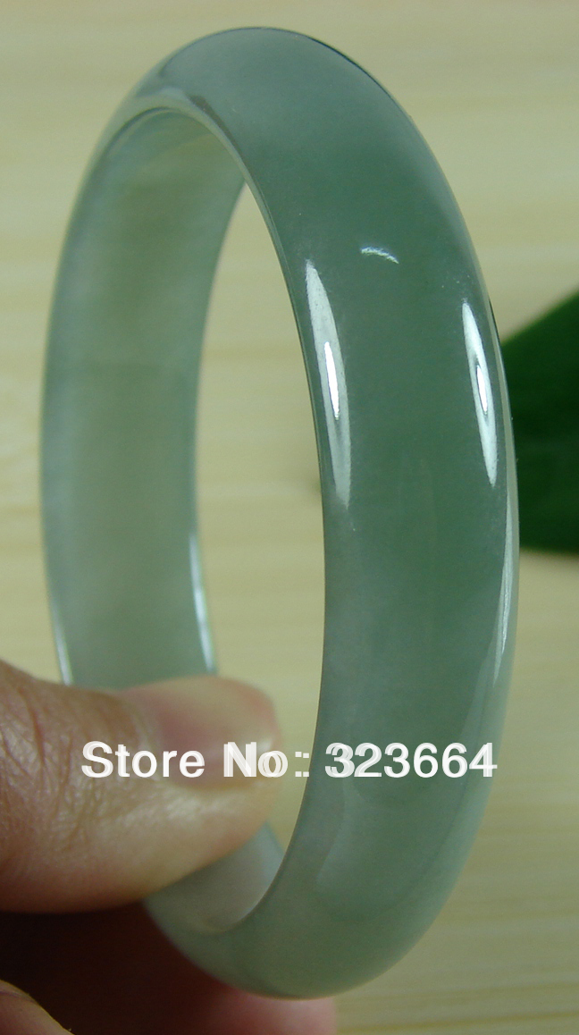 Good Texture Icy Light Natural Bangle Bracelet 58mmGood Texture Icy Light Natural Bangle Bracelet 58mm