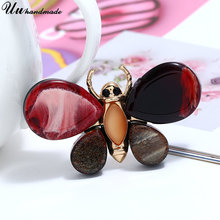 Купить с кэшбэком Fashion Jewelry Insect Butterfly Brooches for Women Brooch Cute Hijab Pins Lapel Pin Christmas Gifts Jewellery Broches 2018 New