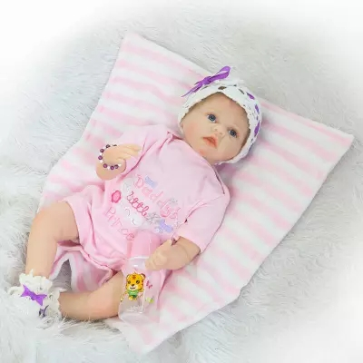 New 55CM Lifelike Real Soft Silicone Baby Reborn Doll Bebe Reborn Girls Lovely Realistic Newborn Babies Doll Baby giftsNew 55CM Lifelike Real Soft Silicone Baby Reborn Doll Bebe Reborn Girls Lovely Realistic Newborn Babies Doll Baby gifts