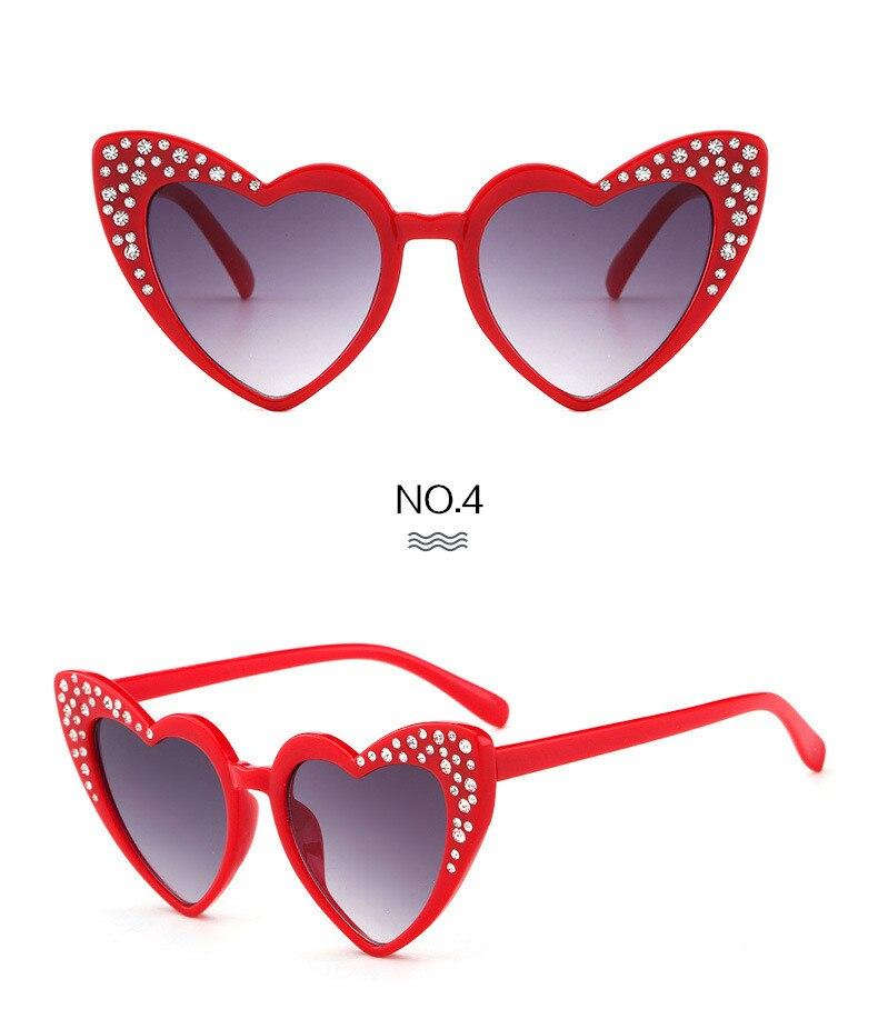 Crianças Óculos De Sol Crianças de Strass Em Forma de Coração Óculos de Sol  Óculos Meninas Óculos Olho de Gato UV400 Presente Para O Bebê fde5cc3e5b
