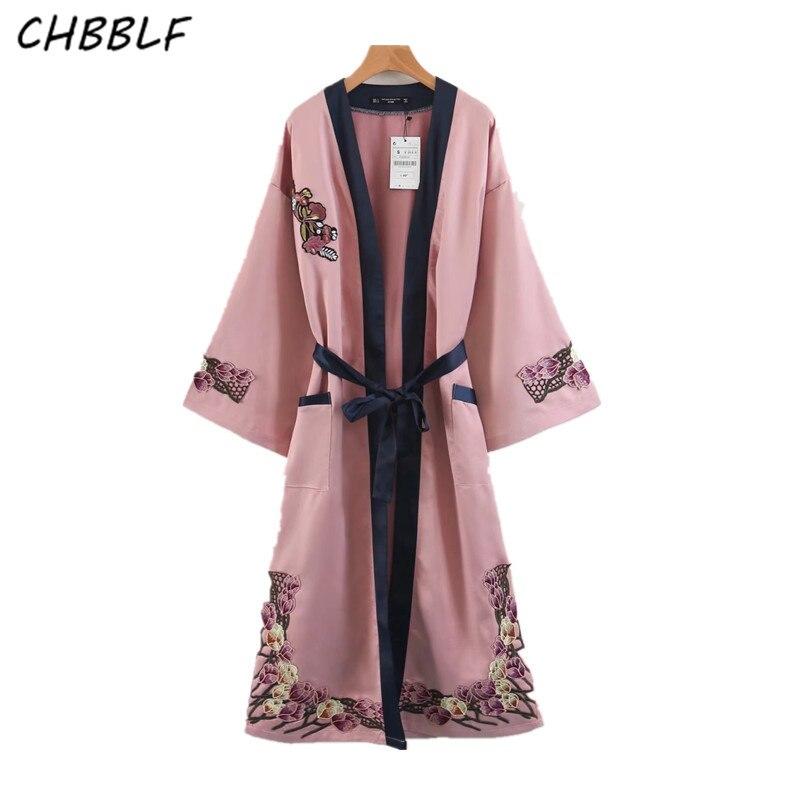 Le nouveau printemps 2018 style oriental broderie florale kimono manteau dame long cardigan manteau XDB7357