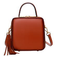 Bag female 2019 new slung portable female Shoulder bag Genuine leather rivet shoulder small square bag retro tassel pouch