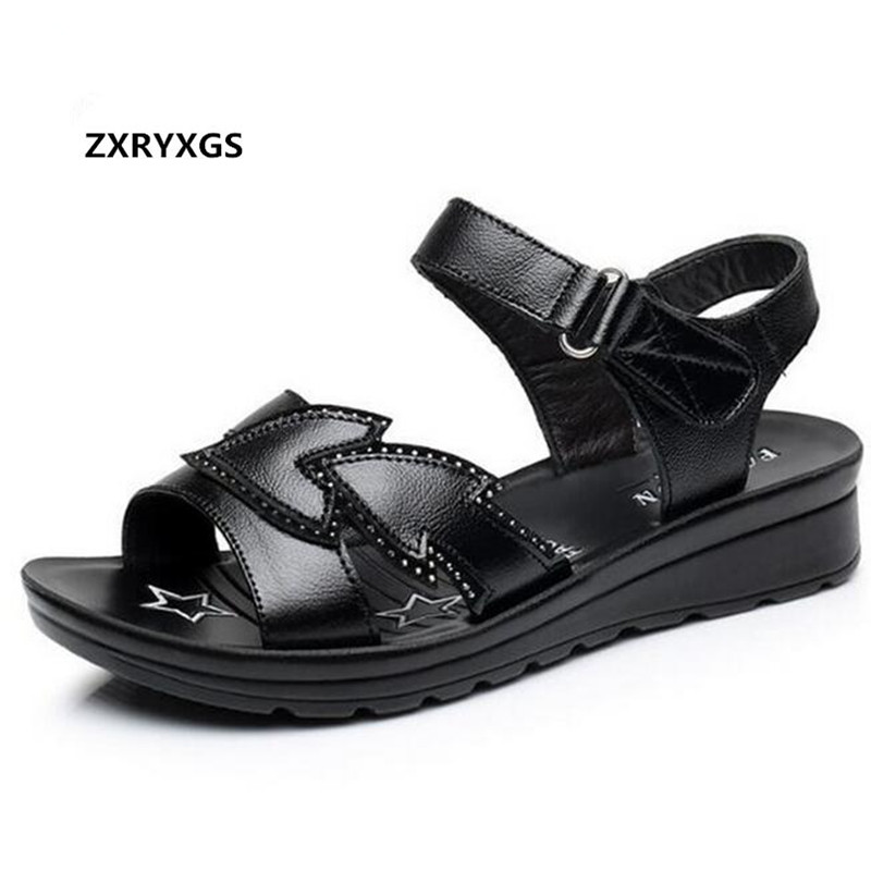 2018 Summer Light Soft Comfortable Fashion Sandals Casual Shoes Real Leather Sandals Women Shoes Sandals Flat Non-slip Plus Size allenjoy christmas photography backdrops christmas background gifts white brick wall wooden floor bulbs table for baby for kids