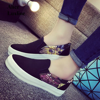 2017 New Print Women Muffled Pedal Shoes Black White Women Flats Loafers Zapatos Mujer Size 35