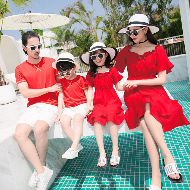 Family matching clothes father mother daughter son mom mommy and me clothes beach dress tshirts pants couple family look wear 33