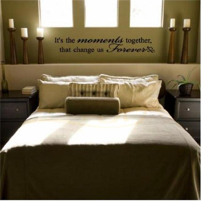 https://ae01.alicdn.com/kf/HTB1D.8ZtTXYBeNkHFrdq6AiuVXar/Het-de-momenten-samen-die-veranderen-forever-quote-muurtattoo-zy8008-bruiloft-decoratie-slaapkamer-vinyl-muursticker.jpg_640x640.jpg