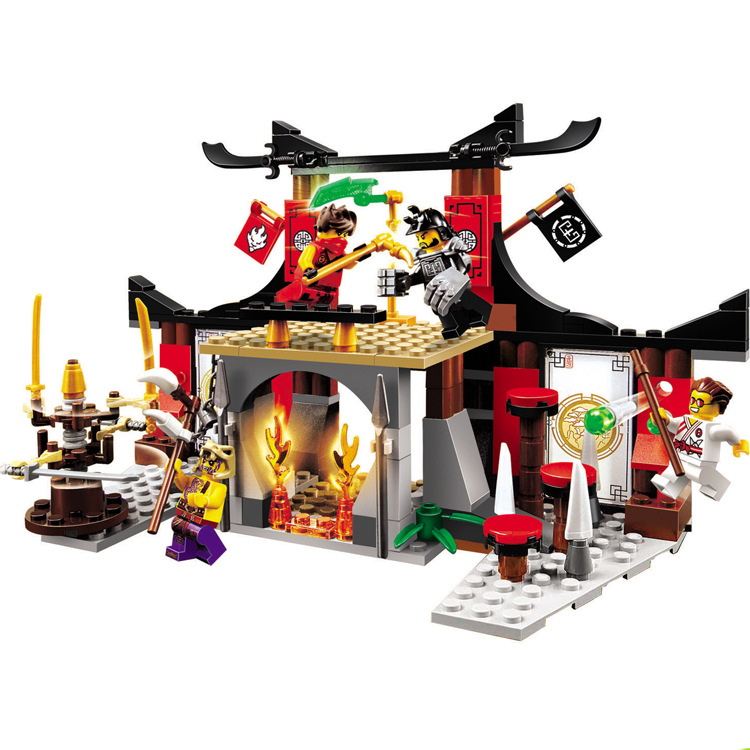 все цены на 214PCS Ninjago 10319 Duel Ninjutsu Driving Range Model Block compatible with legoe ninjagoes Educational toys for children Gift онлайн