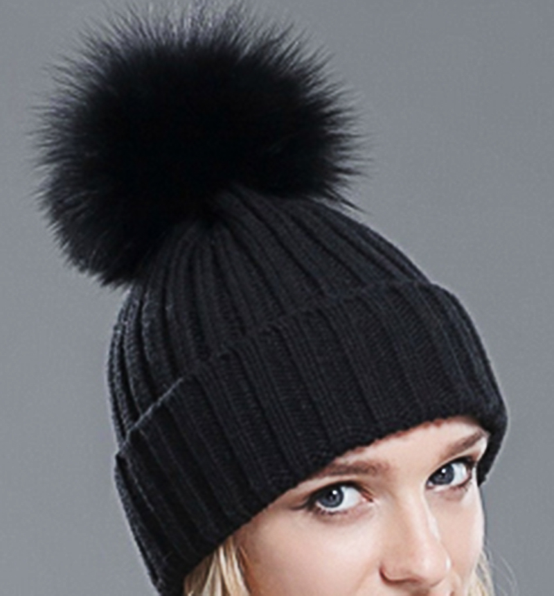 2016 Winter Beanie Real Silver Fox Fur Pompom Knitting Beanies Hat For  Women Black Real Raccoon Fur Pom Pom Skullies Beanie Hats-in Skullies    Beanies from ... 47ae762bcec