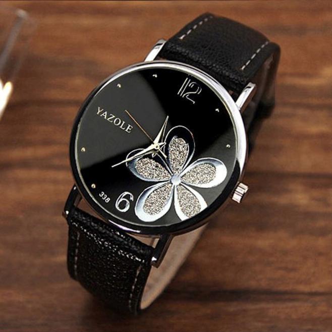 Simple Casual Women's Quartz Watches Black Dial Leather Band Clock Quartz Watch Silver Butterfly Decoration Ladies Wrist Watch