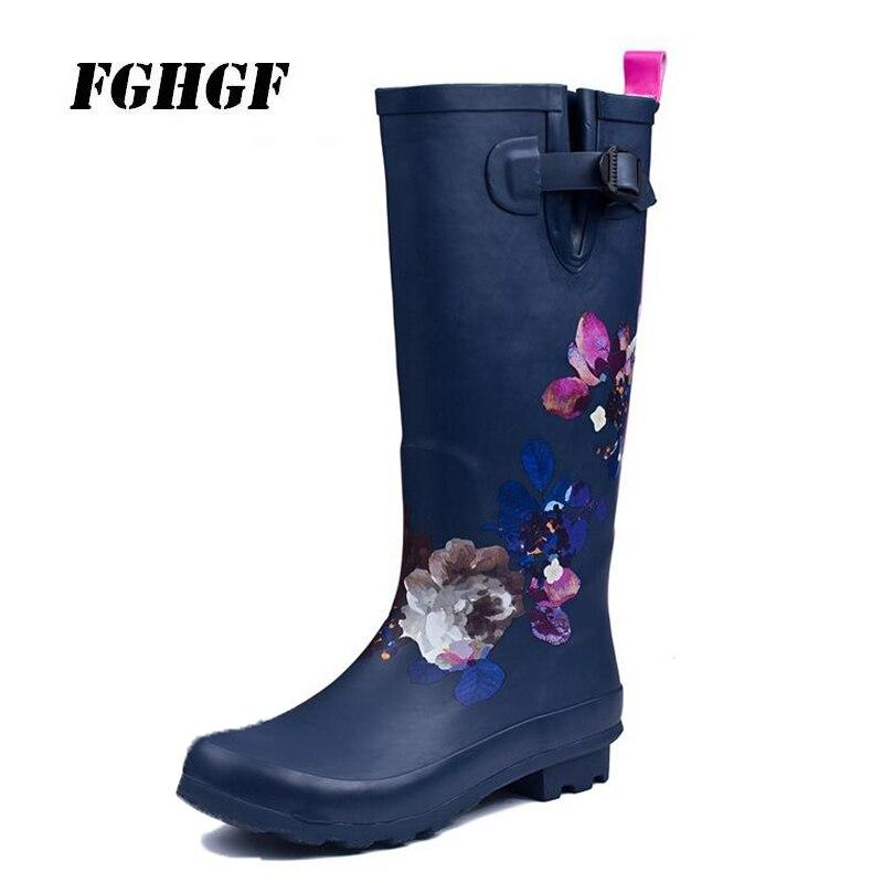 Fashionable ladies rain boots can wear long rain shoes Tibetan green flower water shoes natural rubber rain shoes marulong s0002 women s fashionable flower pattern short sleeved nightdress green multi color