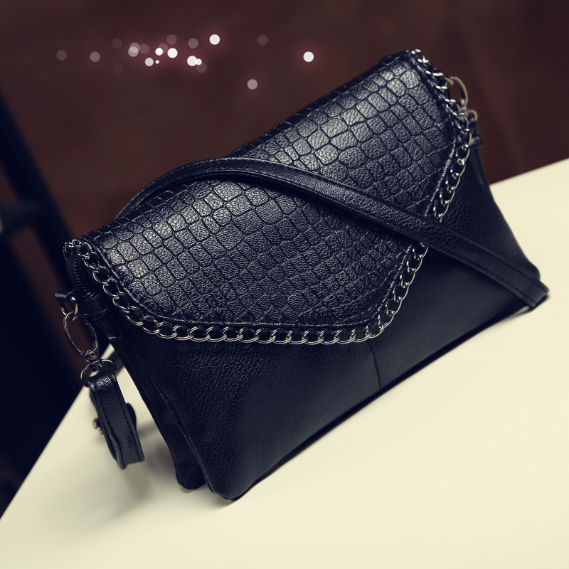 Stock Clearance 2018 office Vintage cute style zipper Small Black Crossbody Bag  Women Messenger Bags Female Leather Handbags-in Shoulder Bags from Luggage  ... 329d4a2d29cec