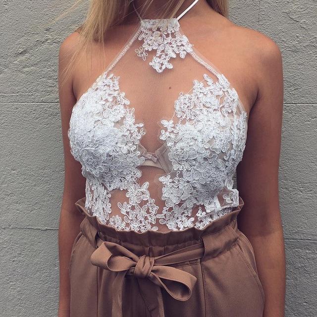 2016 Elegante do laço branco cropped top Summer beach curto sem encosto halter tops camis Sensuais gaze bordado das mulheres parte superior do tanque
