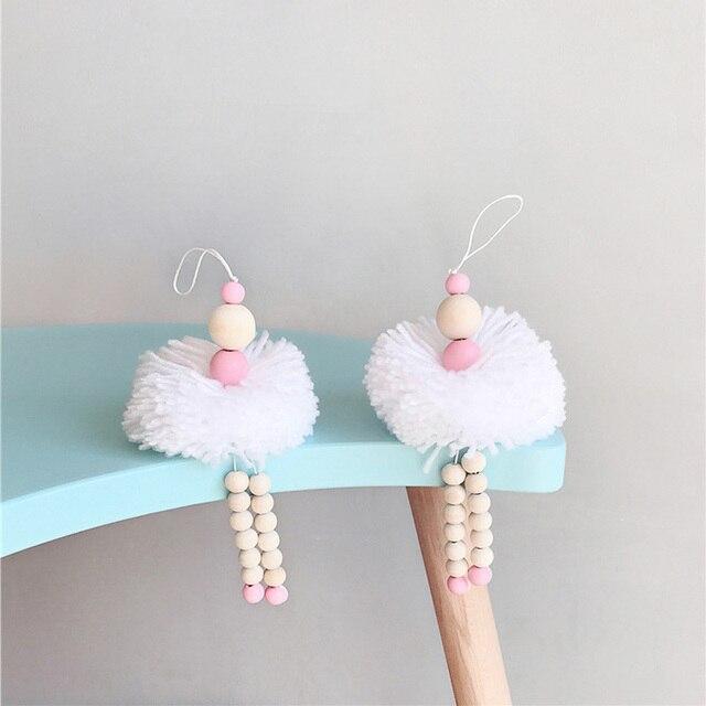 Décoration suspendue danseuse Ballet de Style nordique | Perles en bois, décor de chambre de fille, ornement de tente pour bébé et pépinière, accessoires photos