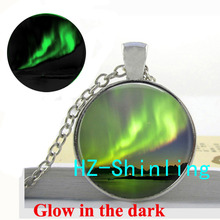 Glowing Jewelry Aurora Borealis Necklace Green Aurora Borealis Pendant Jewelry Glow in The Dark Necklace