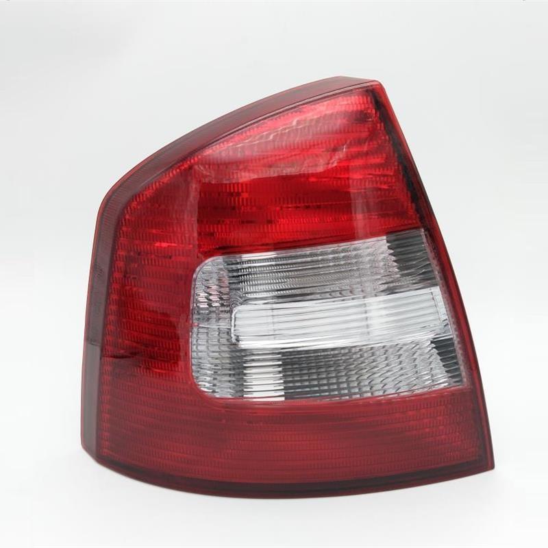 Left Side Real Light For SKODA Octavia A5 A6 RS 2009 2010 2011 2012 2013 Car-styling New Car Rear Lights Tail Light car rear trunk security shield shade cargo cover for nissan qashqai 2008 2009 2010 2011 2012 2013 black beige