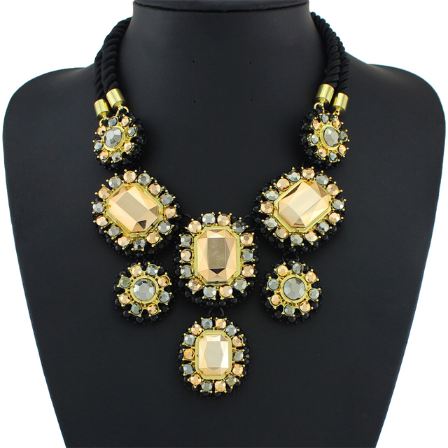 Large Collar statement necklace