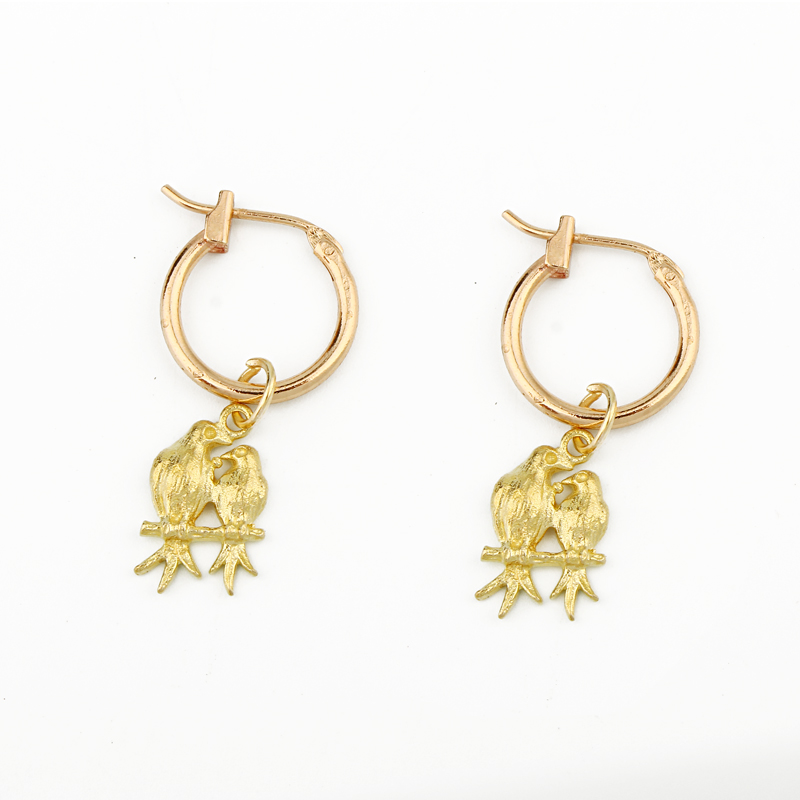 1 Paar Europäische Persönlichkeit Papagei Paar Anhänger Hoop Ohrringe Lustige Gold Farbe Vogel Ohrring Liebhaber Ohrringe Ohr Schmuck E537