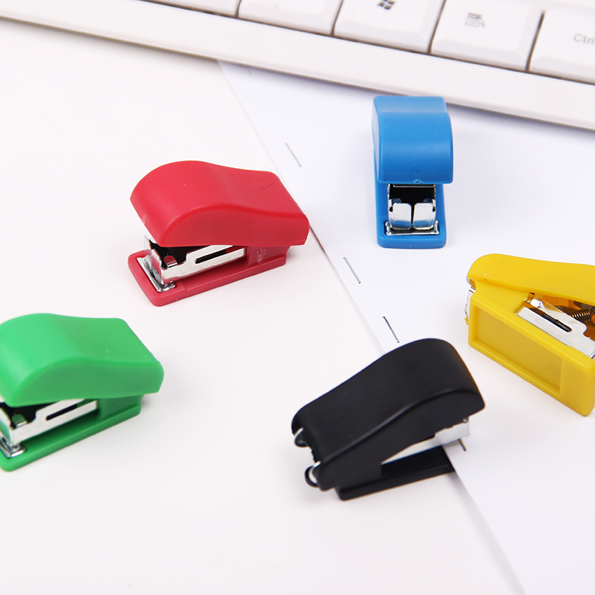 1PC Super Kawaii Mini Small Stapler Useful Mini Stapler Staples Set Office Binding Stationery