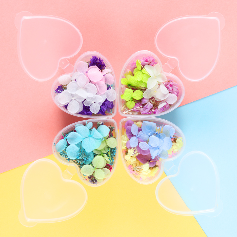 1Box Dried Flowers DIY Mixed Preserved Flower Nail Art Blue Purple Flower in Heart-Shaped Box Decor 3D Nail Art Decoration
