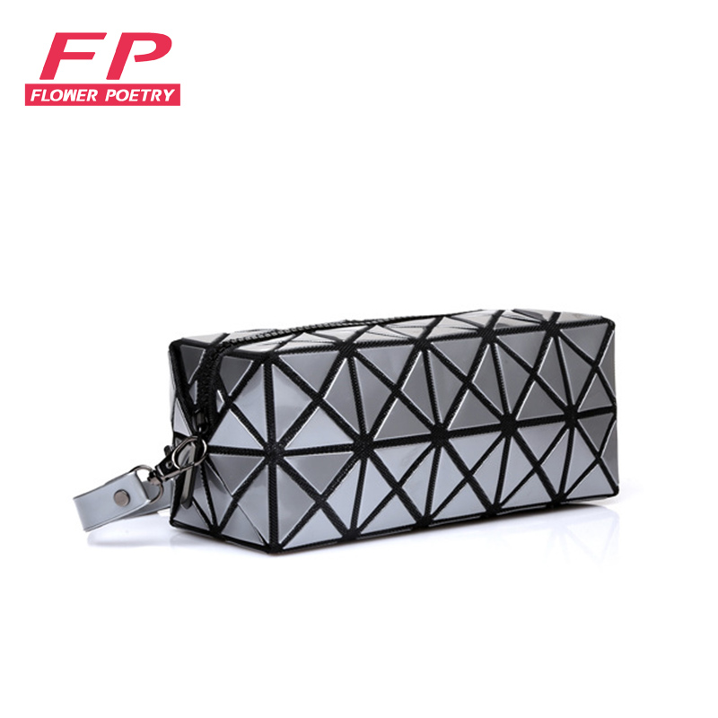 Fashion Geometric Zipper MakeUp Bag Clutches Women Luxury Designer Organizer Ladies Holographic Girls Cosmetic Case Purses 2017