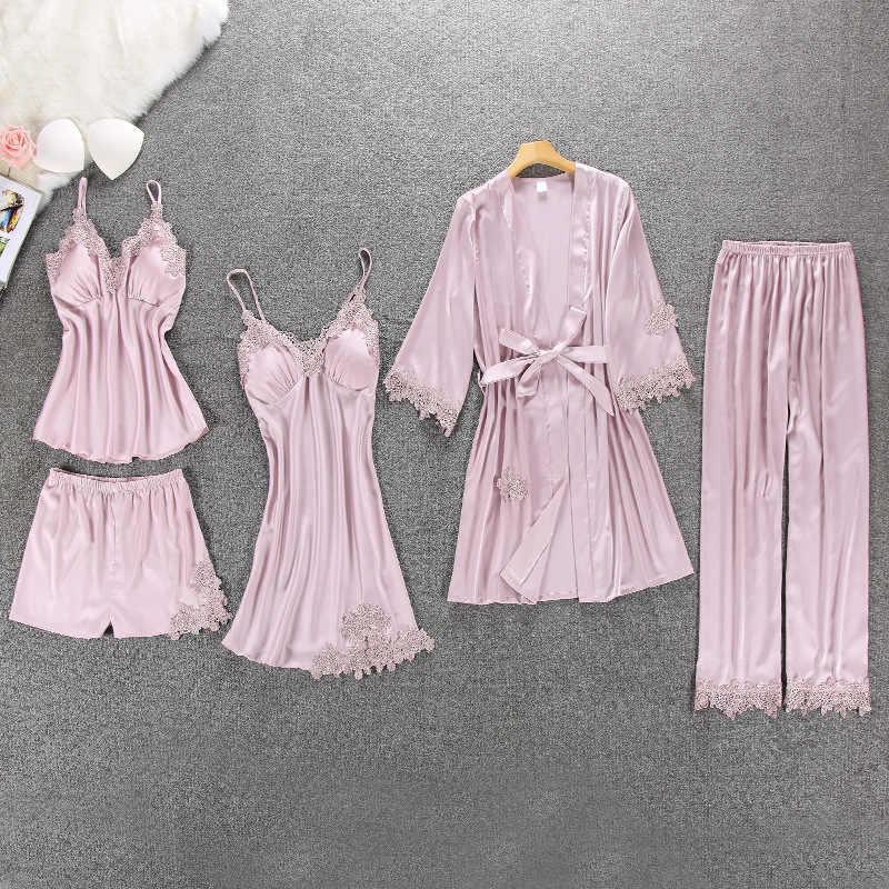 QWEEK เซ็กซี่ชุดนอนสตรี 5 ชิ้นชุดซาตินชุดนอน Pijama ผ้าไหมสวมใส่เย็บปักถักร้อย Sleep Lounge ชุดนอนกับแผ่นอก