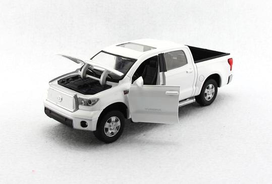 Pickup Truck Toyota Tundra 1 32 Scale Alloy Toy Car Collection Pull