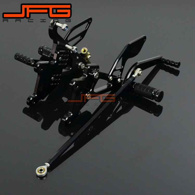 цена на Motorcycle CNC Adjustable Foot Pegs Pedals Rest Rearset Footpegs For YAMAHA YZF R6 YZF-R6 2003-2005 2003 2004 2005