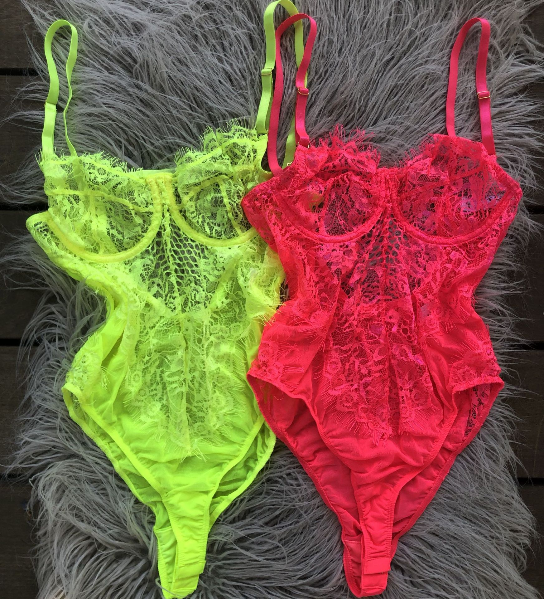 OMSJ New Neon Colors Fashion Eyelashes Lace Bodysuit Slim Fit Summer Sexy Backless Sheer Bodycon Jumpsuit Mesh Hollow Out Tops