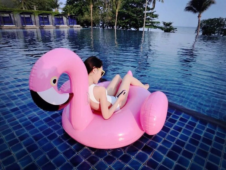 150*150cm Pink Ride-On Swimming Pool float Toys Inflatable Flamingo Floating Row For Holiday Water Fun with hand push pump