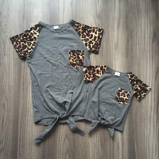 Mùa hè bé gái trẻ em quần áo boutique top t-shirt raglans ngắn tay áo màu xám leopard pocket mommy & tôi gia đình cotton cái nhìn