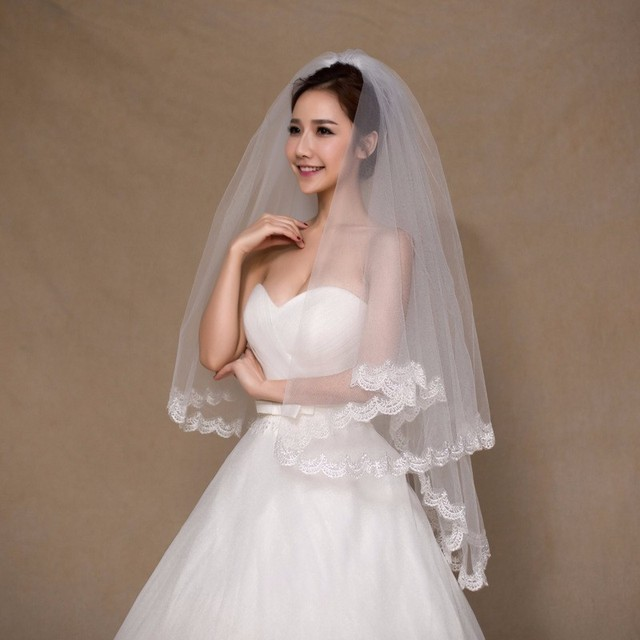 Stock White Ivory Short Bridal Veil With Comb Applique Edge Wedding Accessory