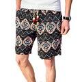 Pantalones Cortos de Lino de los hombres de La Personalidad Étnica Estilo Costuras de Color 2017 Verano Nuevos Hombres del Ocio Flojo Floral Beach Shorts M-5XL