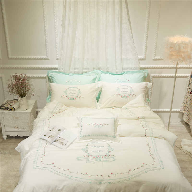 Princess style Bed linen set Egyptian cotton embroidered Bedding set Queen/King Size Girls Women Cute Duvet cover Bed room setPrincess style Bed linen set Egyptian cotton embroidered Bedding set Queen/King Size Girls Women Cute Duvet cover Bed room set