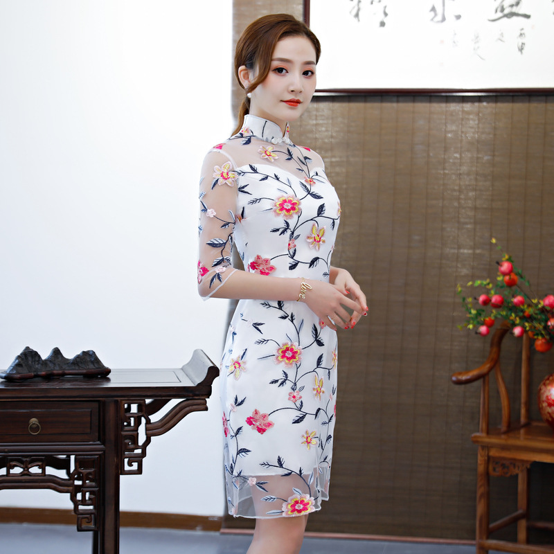 U SWEAR 2019 New Arrival Short Bridesmaid Dresses Cheongsam Embroidery Flora Lace Illusion Elegant Bridesmaid Dresses