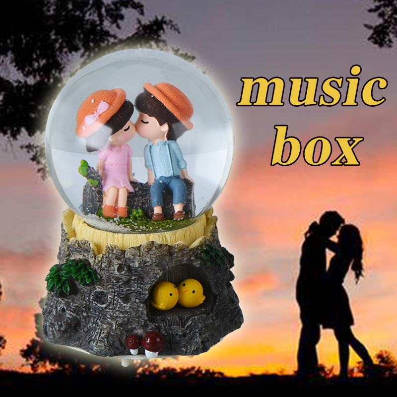 WR Musical Box Lighted Snow Globe Christmas Light Crystal Music Box Lovers Kiss Merry Christmas Frees Shipping