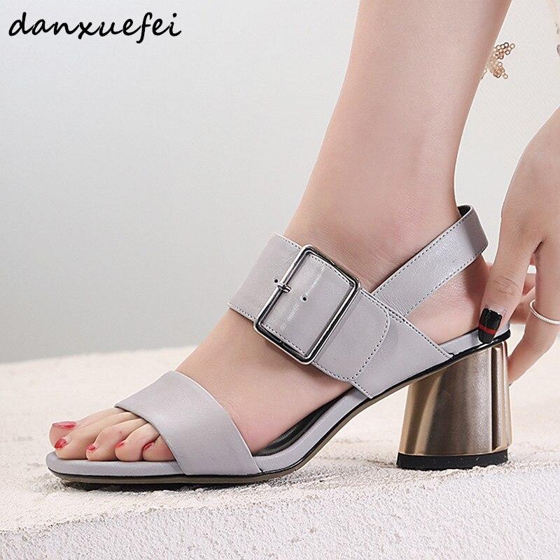 Grande taille 42 femmes en cuir véritable épais sandales à talons hauts bout ouvert été dames robe confortable pompes en métal boucle chaussures