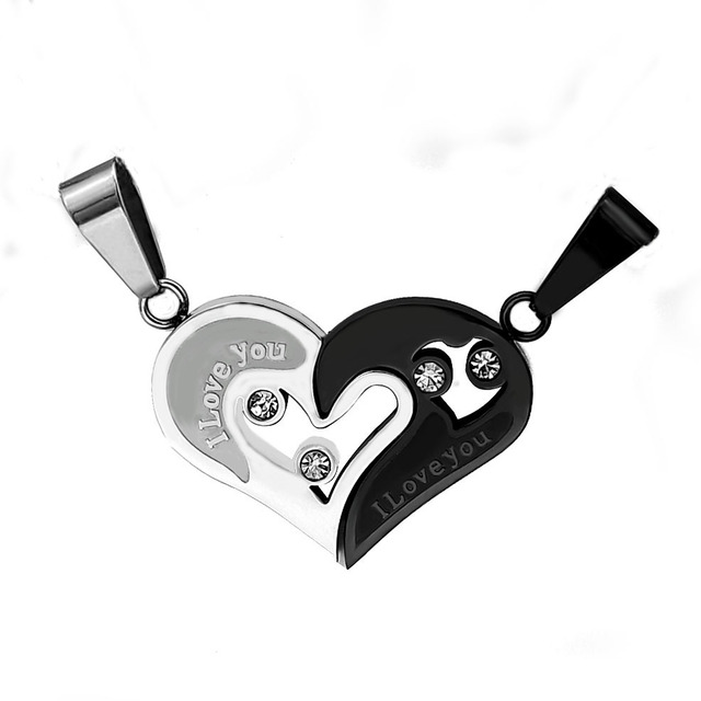 5959434fbf56 Heart Couple Necklace 316L Stainless Steel Lovers Necklaces Pendants Broken  Heart Pendant Engraved Name Necklace