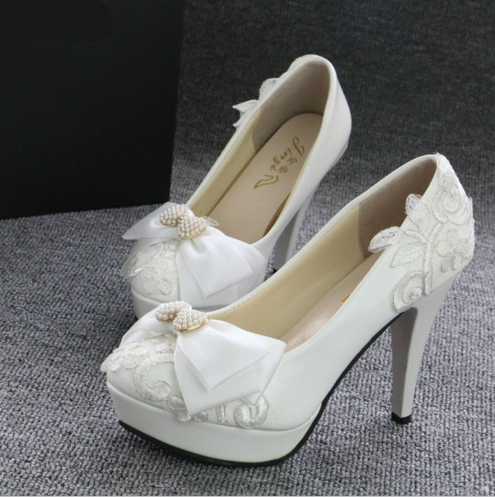 ФОТО 2017  Spring and summer fashion Harajuku retro women white wedding shoes with cute lace dress shoes crystal bridal shoes