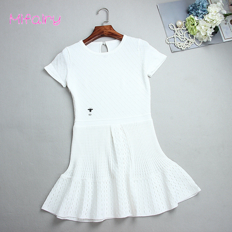 Free Shipping 2017 White Short Sleeves A Line Womens Knitting Dress Bee Embroidery Hollow Out Womens Pullovers Summer S019