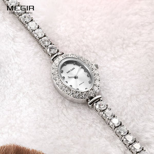 Image 4 - Megir 女性の時計ファッション 2018 新シンプルなアナログ高級腕時計女性 Relogios Femininos 時計 4206 白